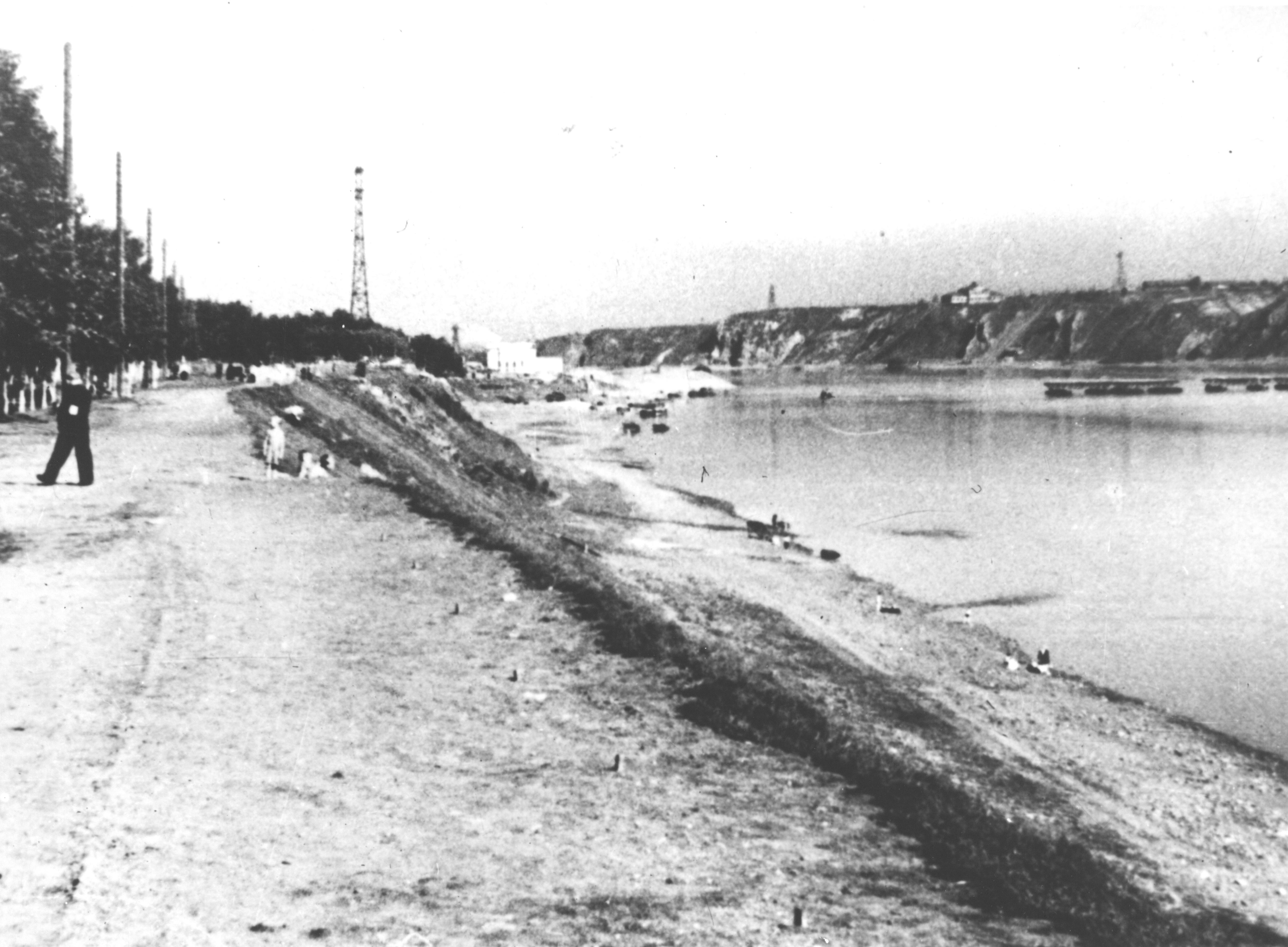 gku-ko-gako_fotofond_op_10_d_108_l_1_pritomskaja-naberezhnaja-g_kemerovo_1930-1940.jpg