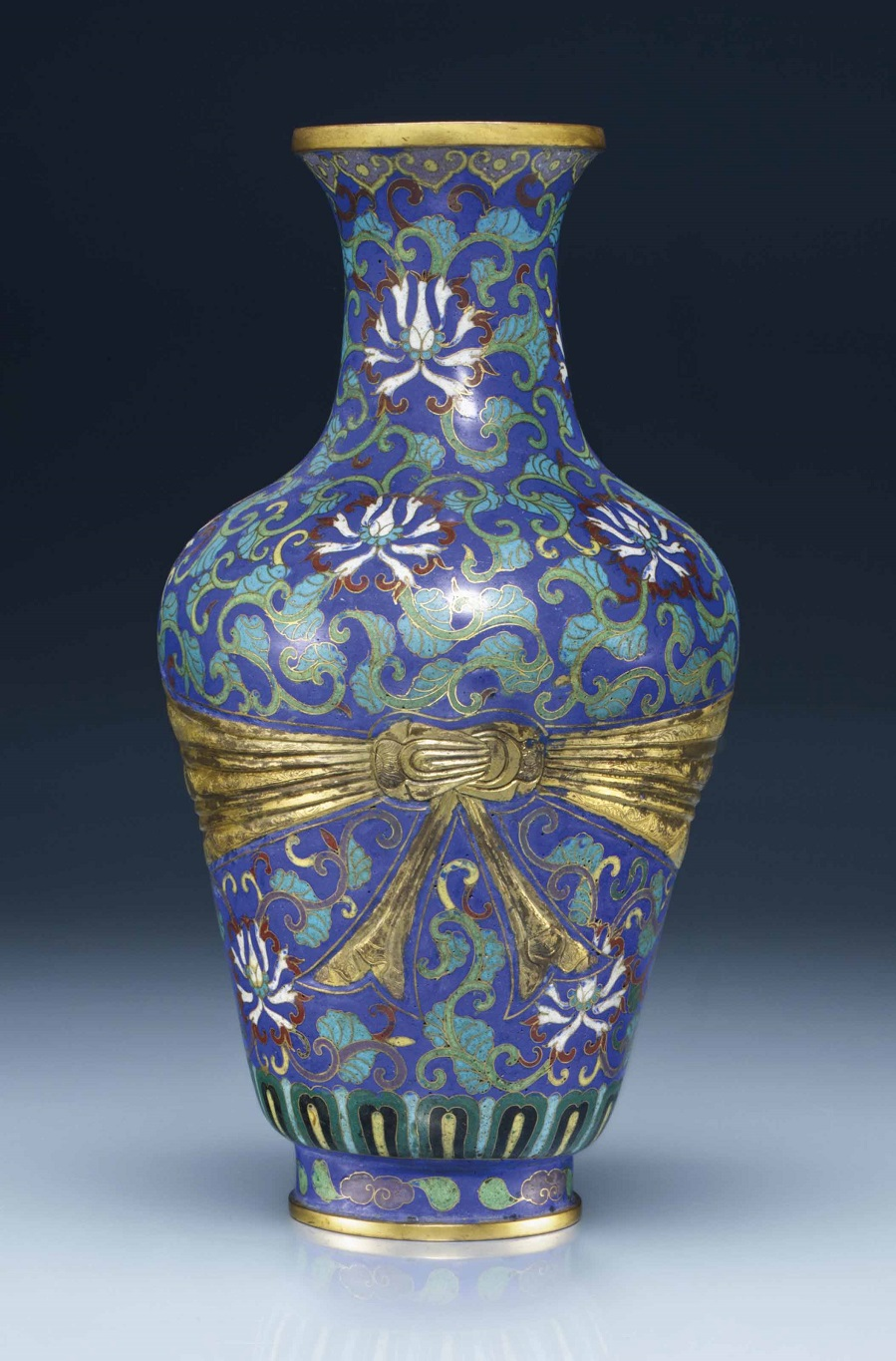 2014_NYR_02873_0647_000a_cloisonne_enamel_sash-tied_vase_18th-early_19th_century.jpg