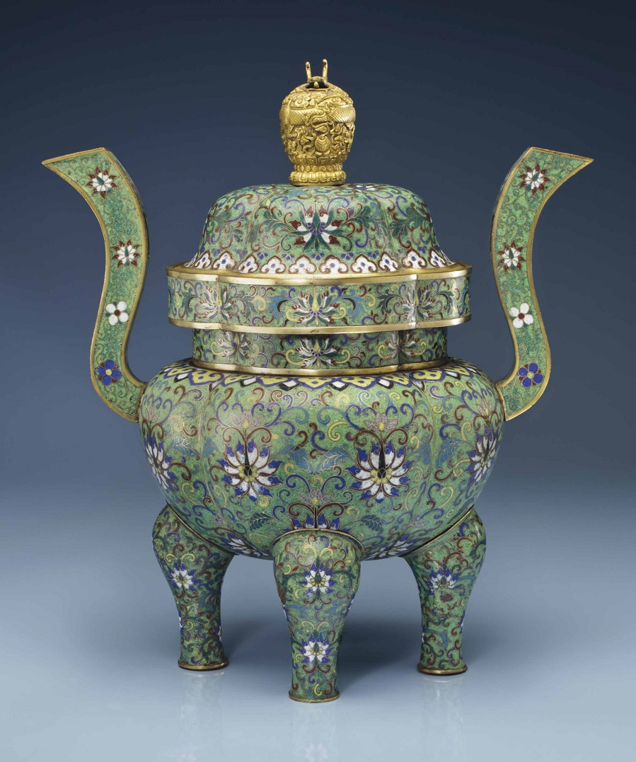 2014_NYR_02873_0648_000a_cloisonne_enamel_green-ground_quadrilobed_censer_and_cover_19th_cent.jpg