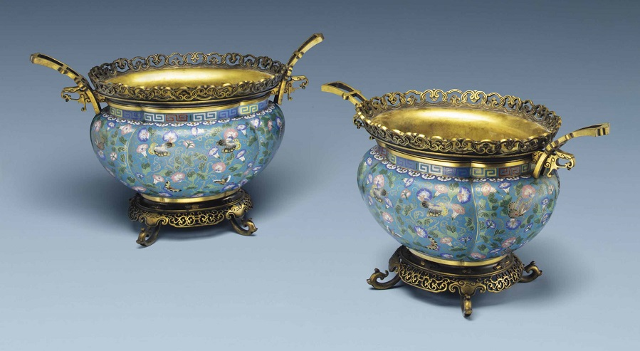2014_NYR_02873_0650_000a_pair_of_cloisonne_enamel_quadrilobed_jardinieres_with_french_mounts.jpg