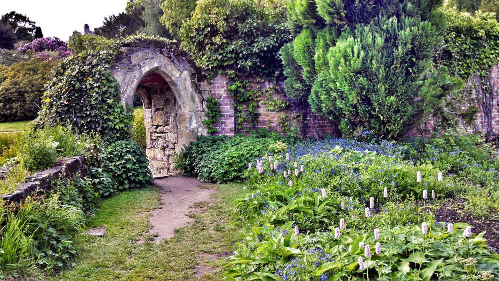 english-garden.jpg